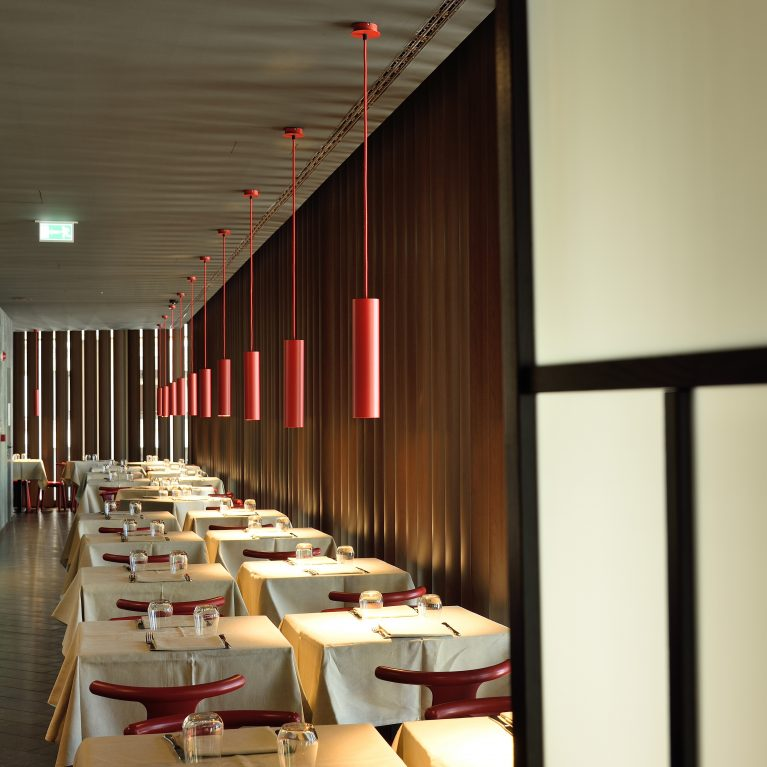 L'eleganza dei frangisole interni di WoodN Industries conquista l'Hotel Glam di Milano