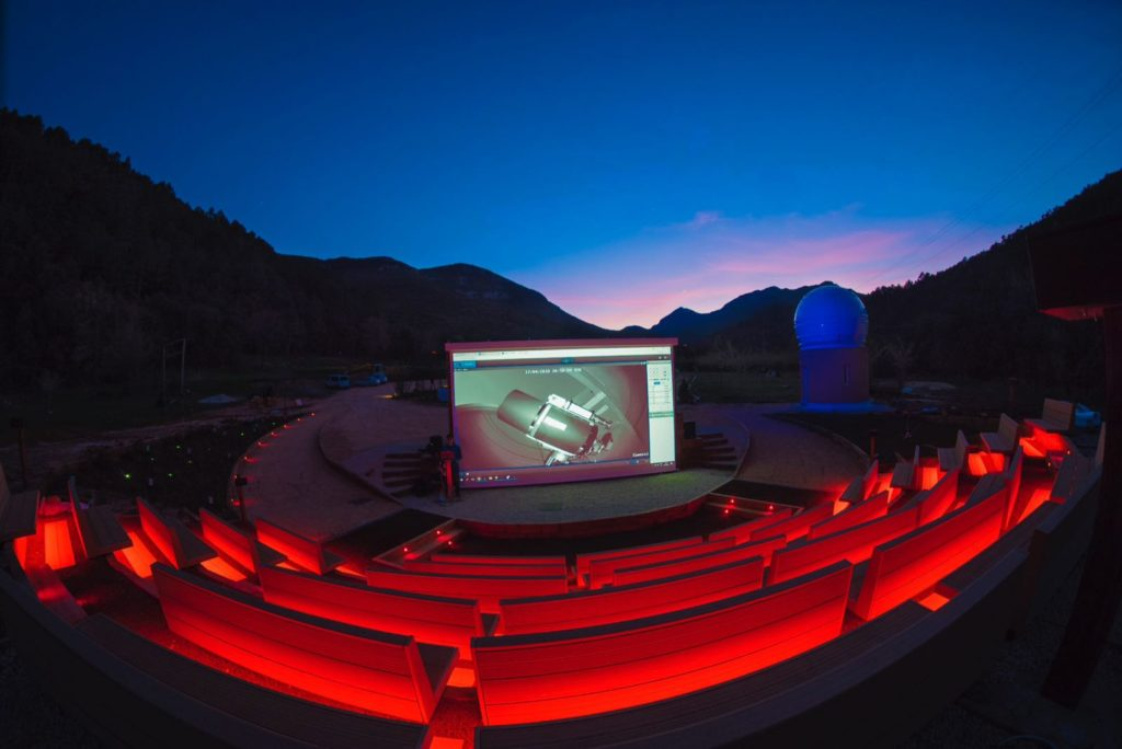 Albanya Observatory's seats are heated up with Plug&Play material, GREENiTOP certified