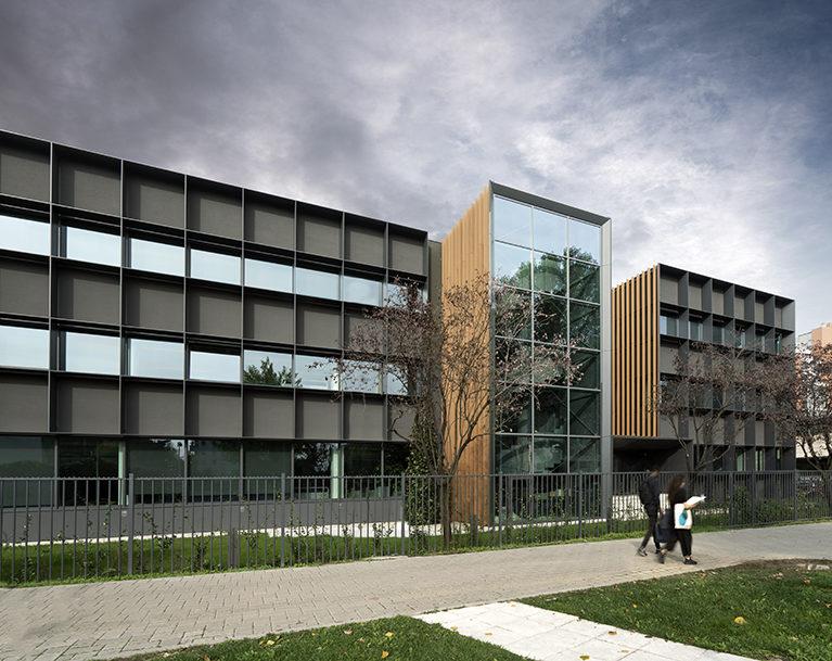 I frangisole WoodN Industries per le facciate dello studio di architettura Progetto CMR